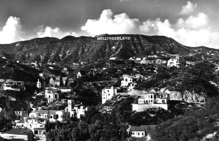 "Hollywoodland Until the late 1940_s the sign read ""Hollywoodland""_800"